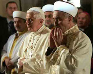 Benedict-Ratzinger Prays with Imams