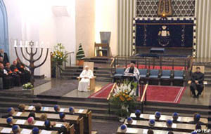Benedict-Ratzinger at Synagogue